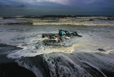 port-waikato-beached-car_4copy-9763544