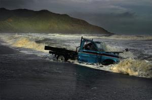port-waikato-beached-car_5+copy.jpg